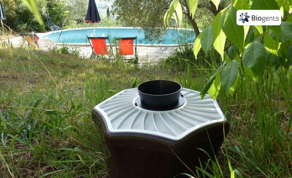 Piège en bord de piscine